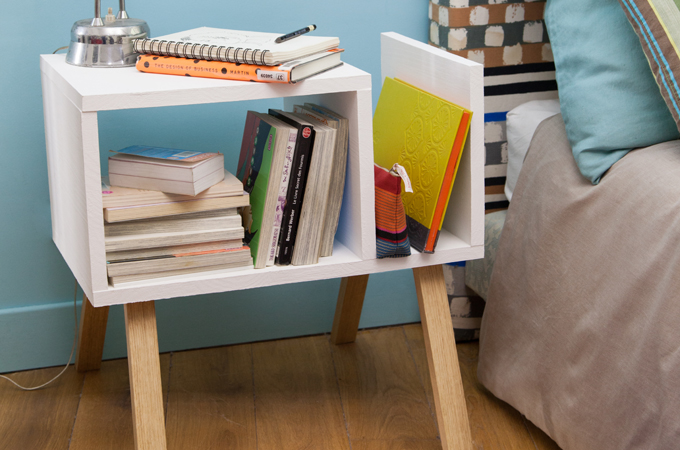 Cr er une table de chevet scandinave diy family for Realiser une table de jardin