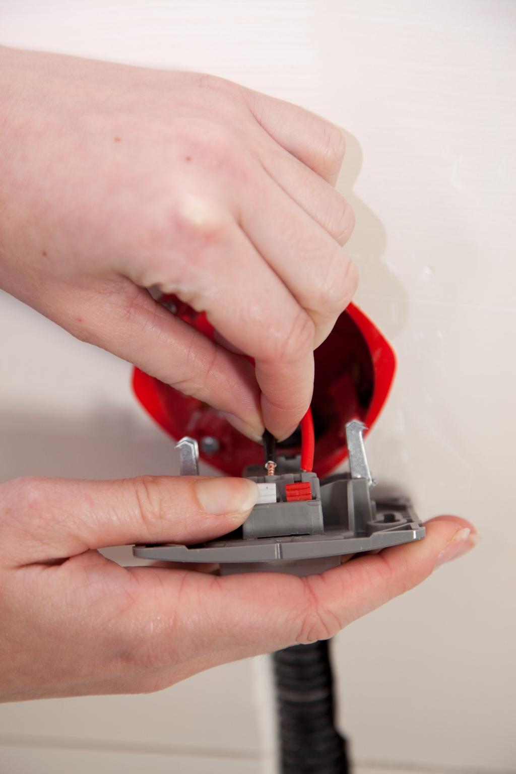 Installer un interrupteur encastré - Étape 13
