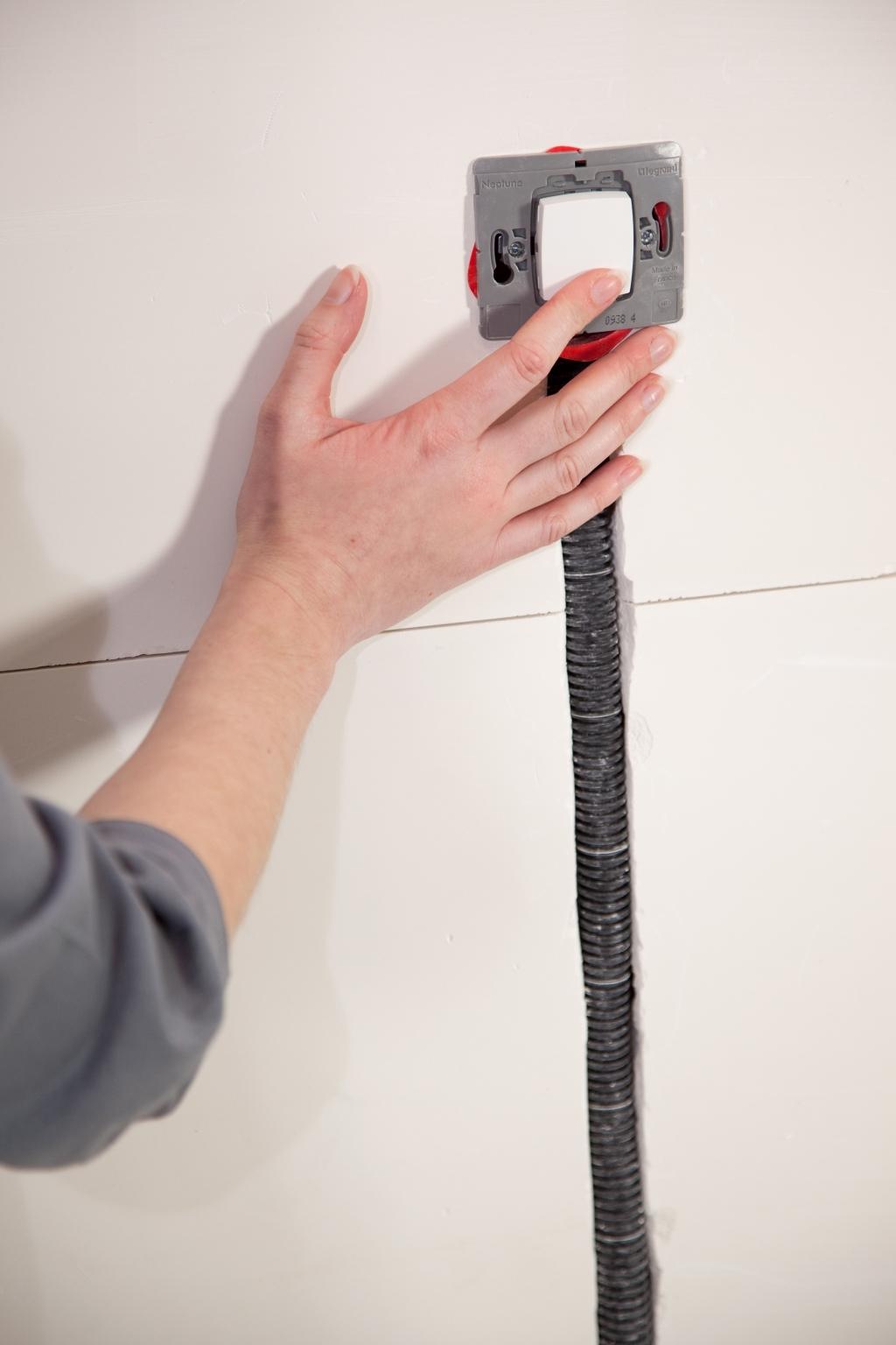 Installer un interrupteur encastré - Étape 20