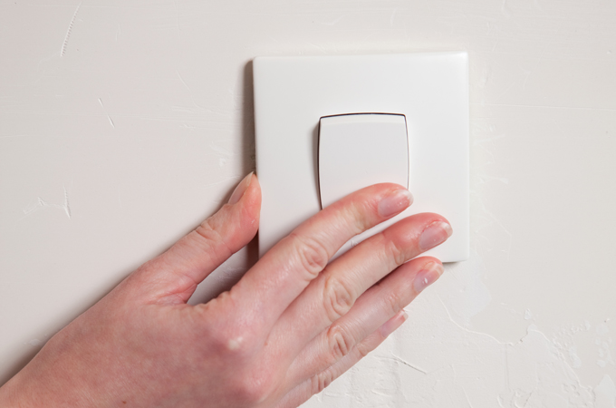Installer un interrupteur encastré - Image à la une