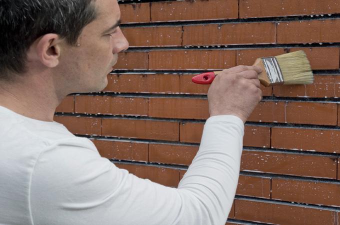 Humidité : protéger un mur en briques