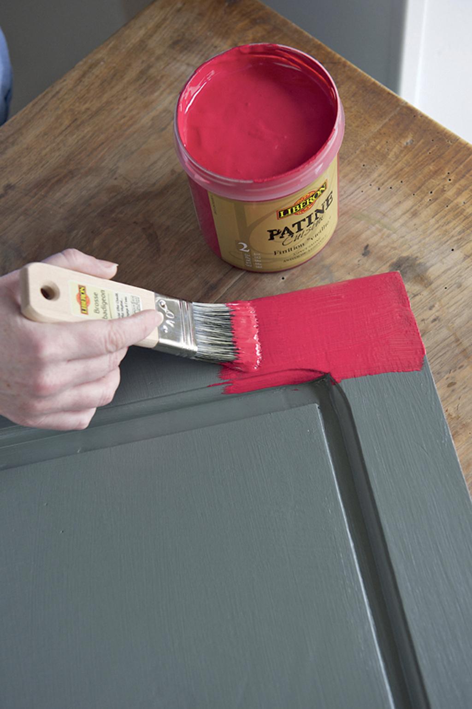 repeindre un vieux buffet en bois avec une patine diy family. Black Bedroom Furniture Sets. Home Design Ideas