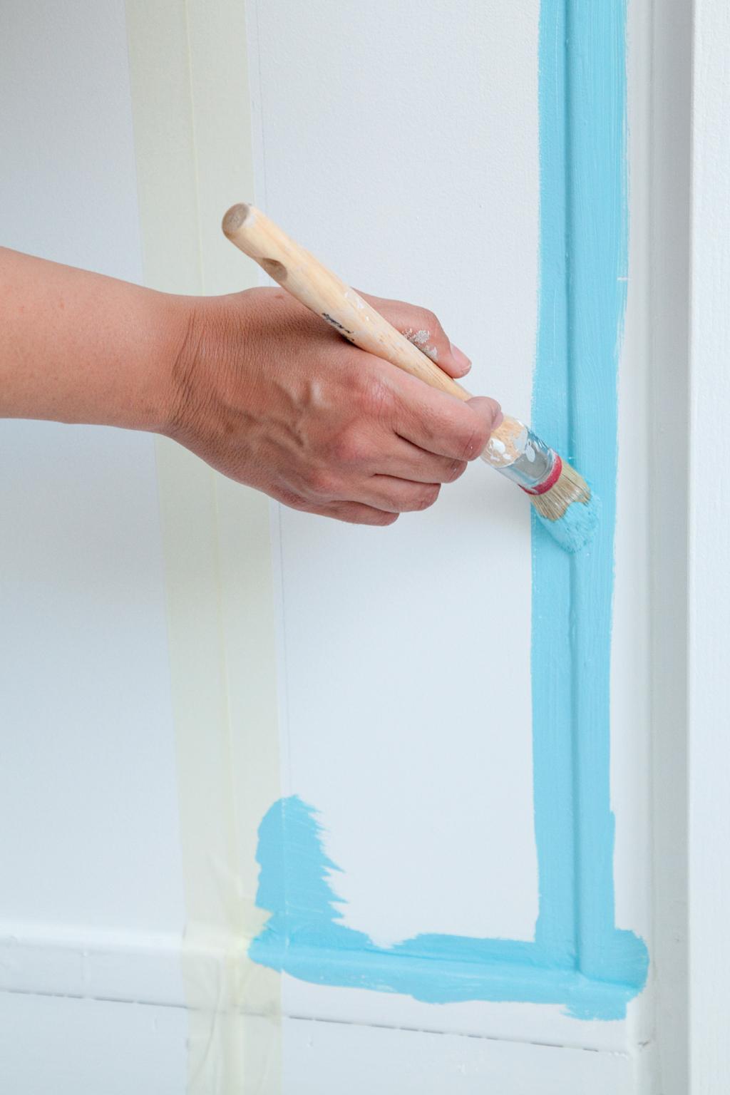 Comment peindre une porte au rouleau diy family for Comment decorer une porte plane