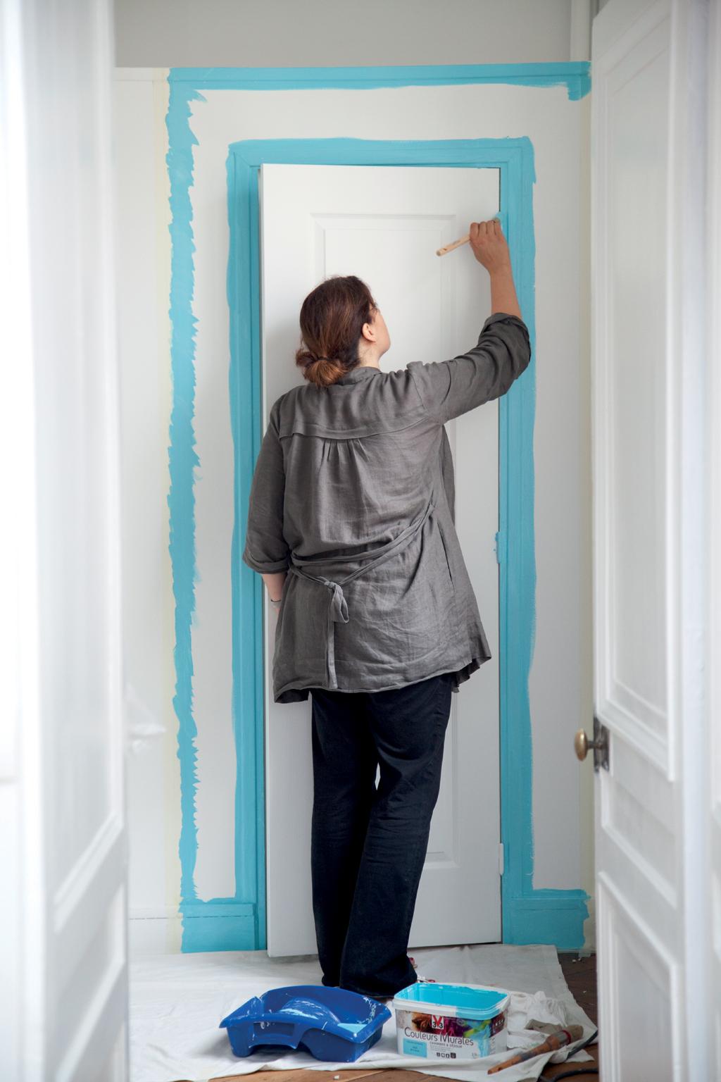 comment peindre une porte au rouleau diy family. Black Bedroom Furniture Sets. Home Design Ideas