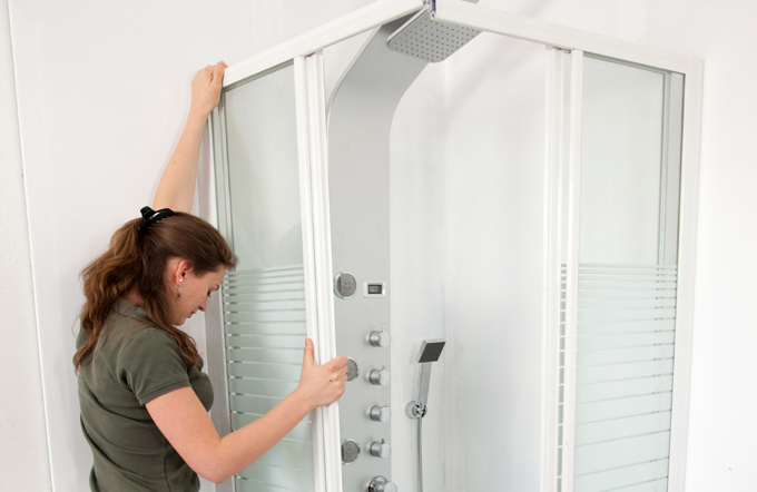 Poser une cloison de douche