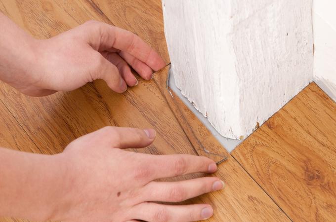 Poser un sol en lames PVC
