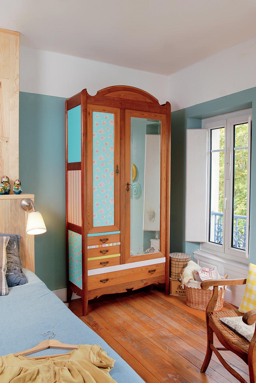 comment relooker une vieille armoire fabulous relooker armoire ancienne en ides dco bluffantes. Black Bedroom Furniture Sets. Home Design Ideas