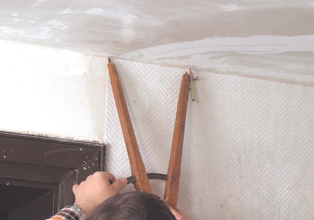 Papier peint : tapisser en commençant par le plafond