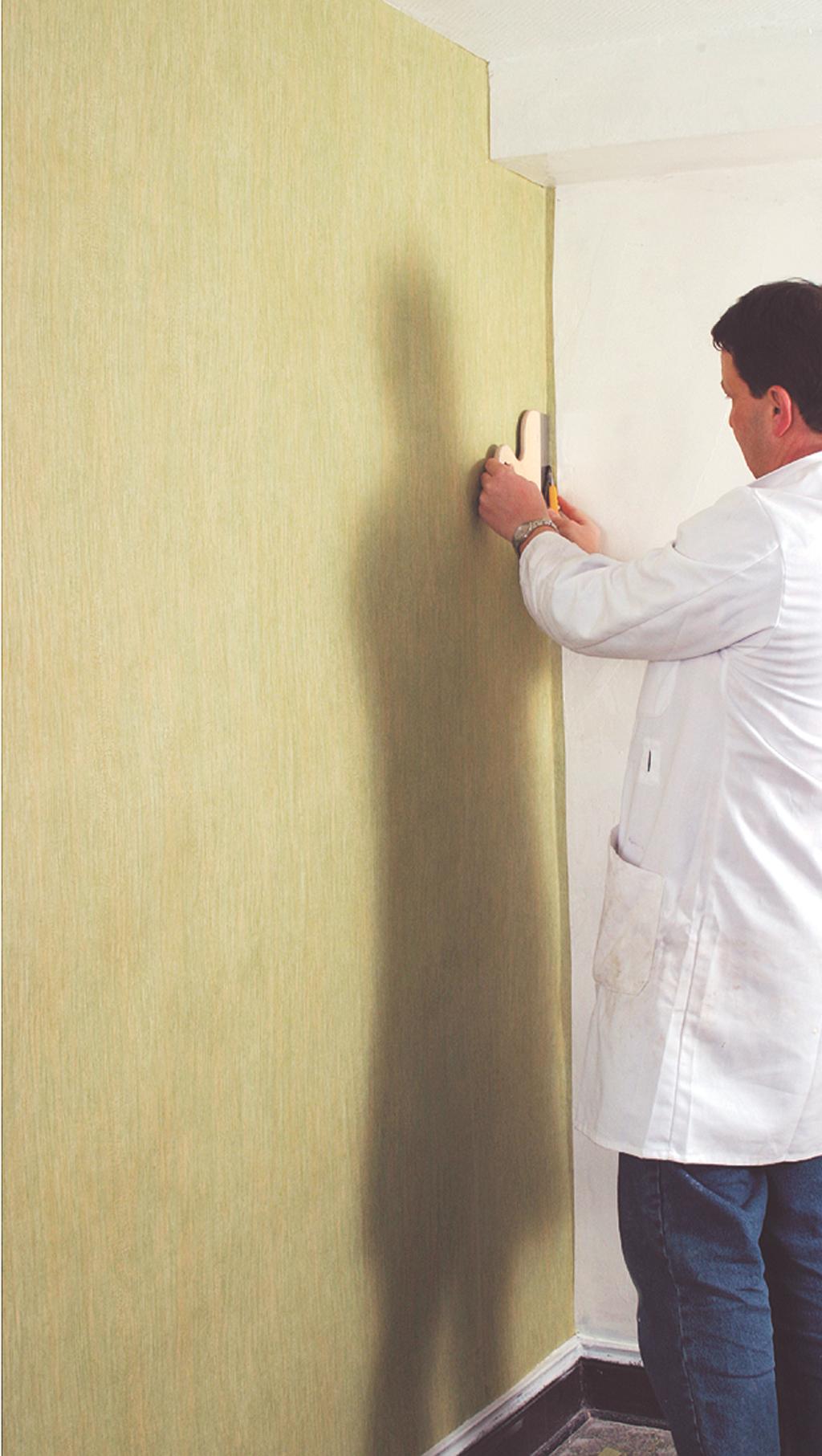Poser du papier peint uni sans raccord diy family for Comment faire le papier peint