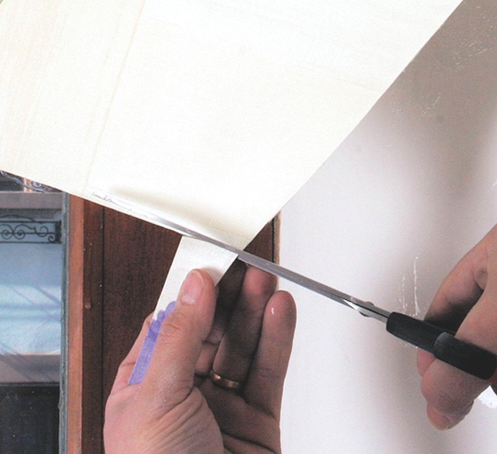poser du papier peint raccord droit diy family. Black Bedroom Furniture Sets. Home Design Ideas