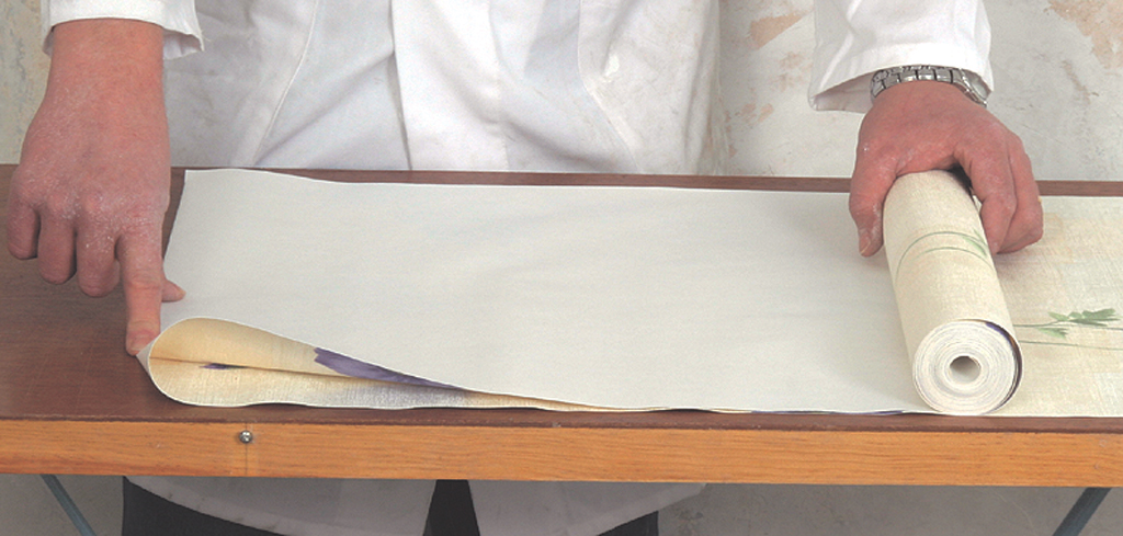 Poser Du Papier Peint Raccord Droit Diy Family