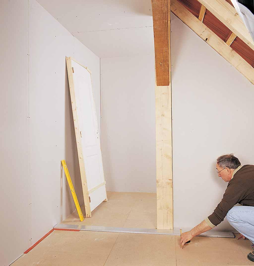 Poser un bloc porte dans une cloison en pl tre ossature m tallique diy family - Poser bloc porte entre 2 murs ...