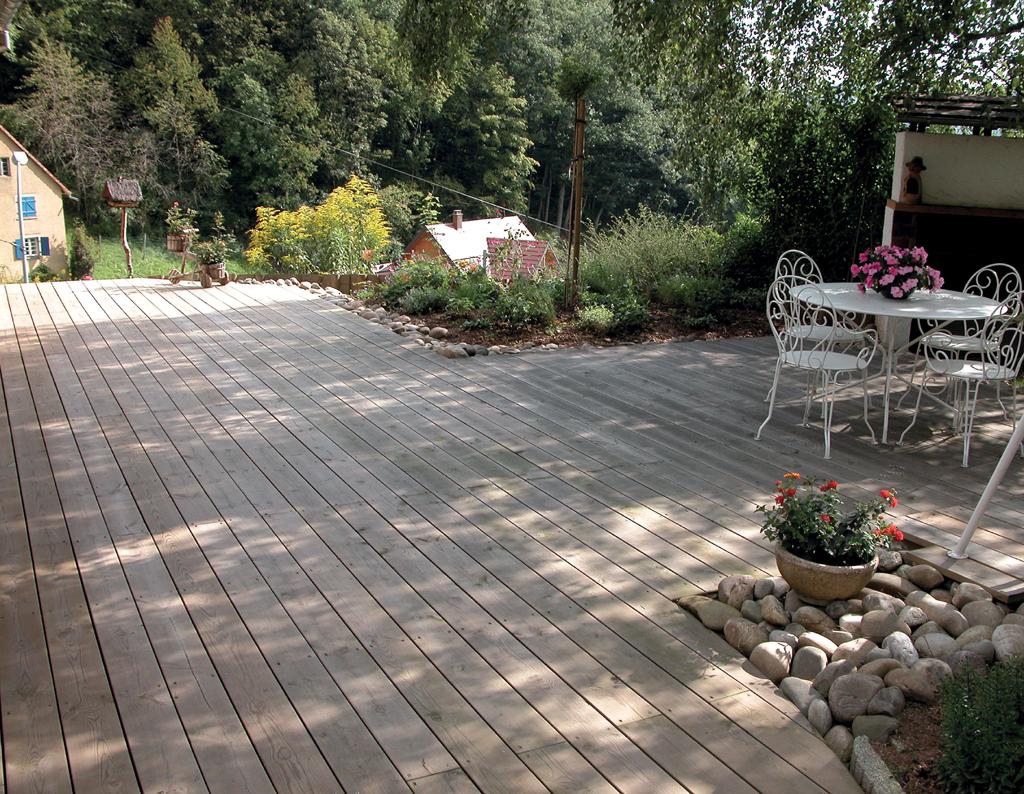Poser une terrasse en bois en L :
