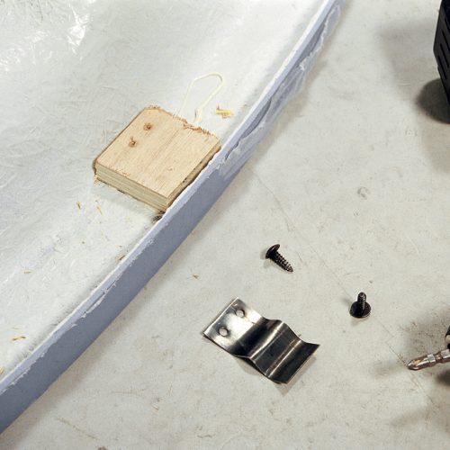 Installer une baignoire d 39 angle avec un tablier int gr for Hauteur d une baignoire d angle