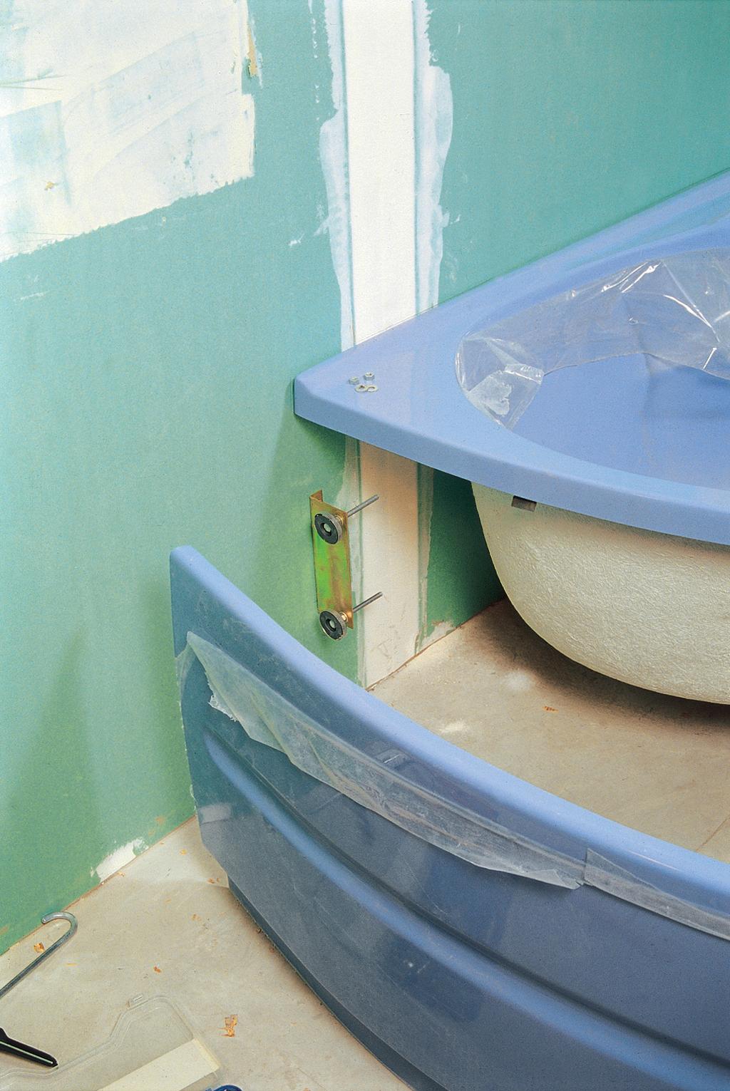 installer une baignoire d 39 angle avec un tablier int gr diy family. Black Bedroom Furniture Sets. Home Design Ideas