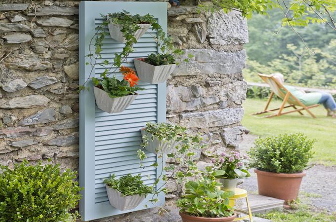 Transformer un volet persienne en porte pot de jardin