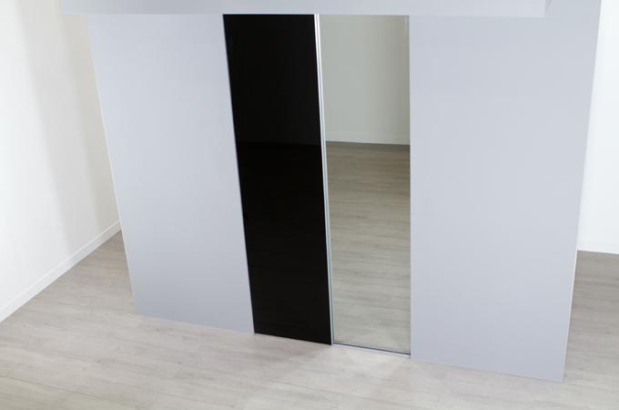 Poser des portes de placard coulissantes