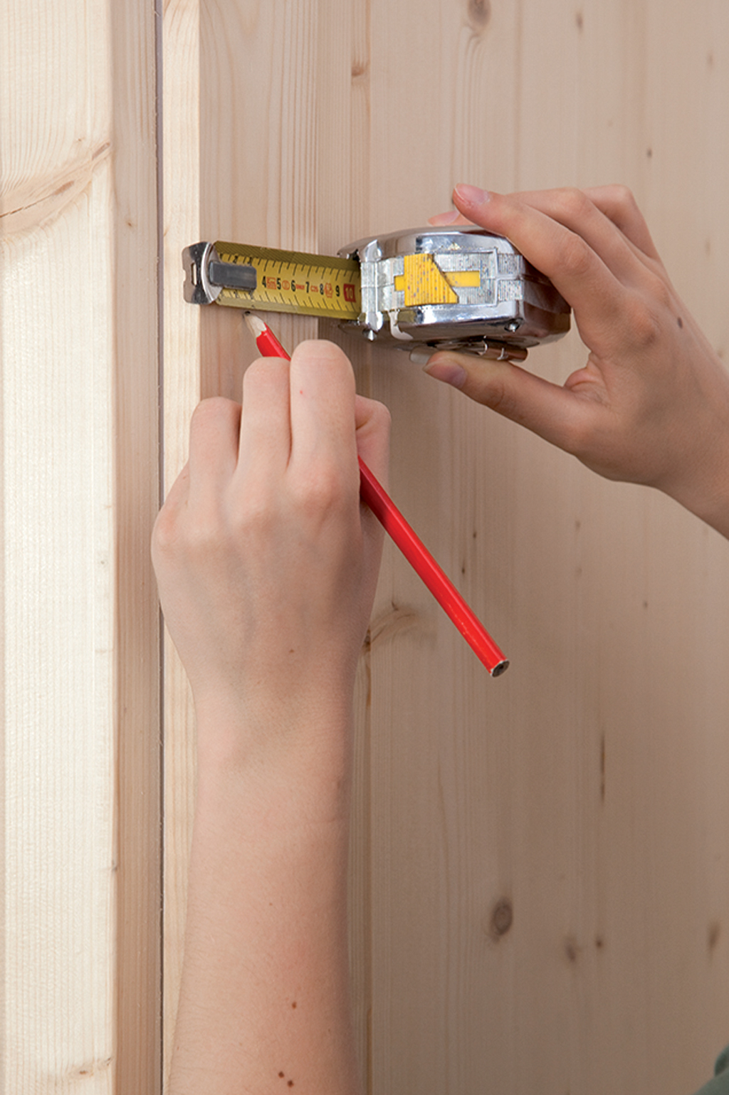 Poser un verrou sur une porte :