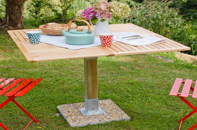 Cr er une table de jardin diy family for Creer une table de jardin