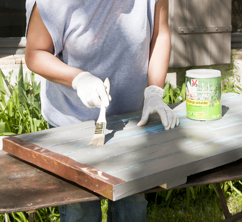 transformer une table basse cool une bobine de chantier transforme en table basse with. Black Bedroom Furniture Sets. Home Design Ideas