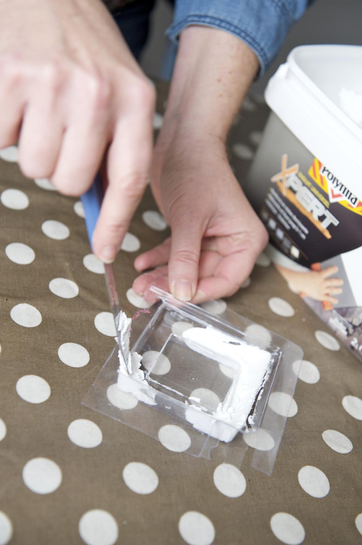 Créer un cadre avec un moule et de l'enduit