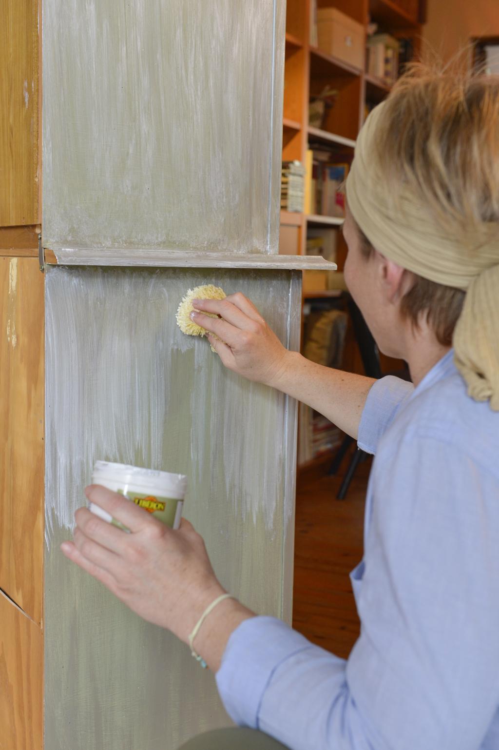 Renover un vaisselier d'antiquaire