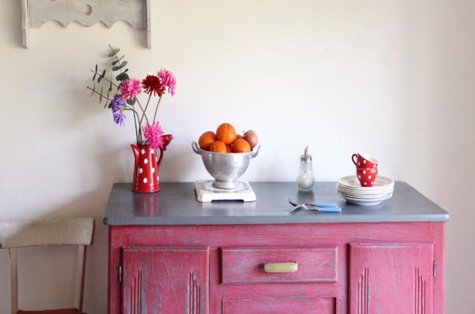 Peindre un buffet avec une peinture à effet