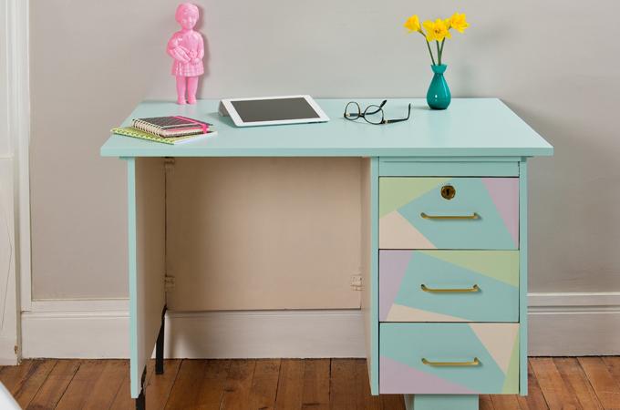 Relooker un bureau avec des vernis colores