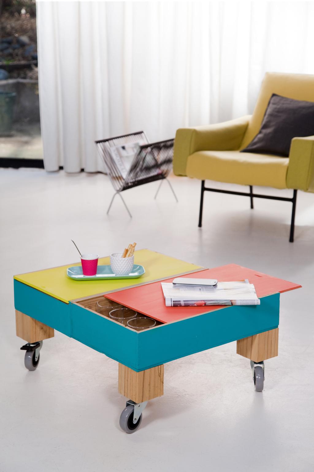Créer une table basse à roulettes avec des caisses