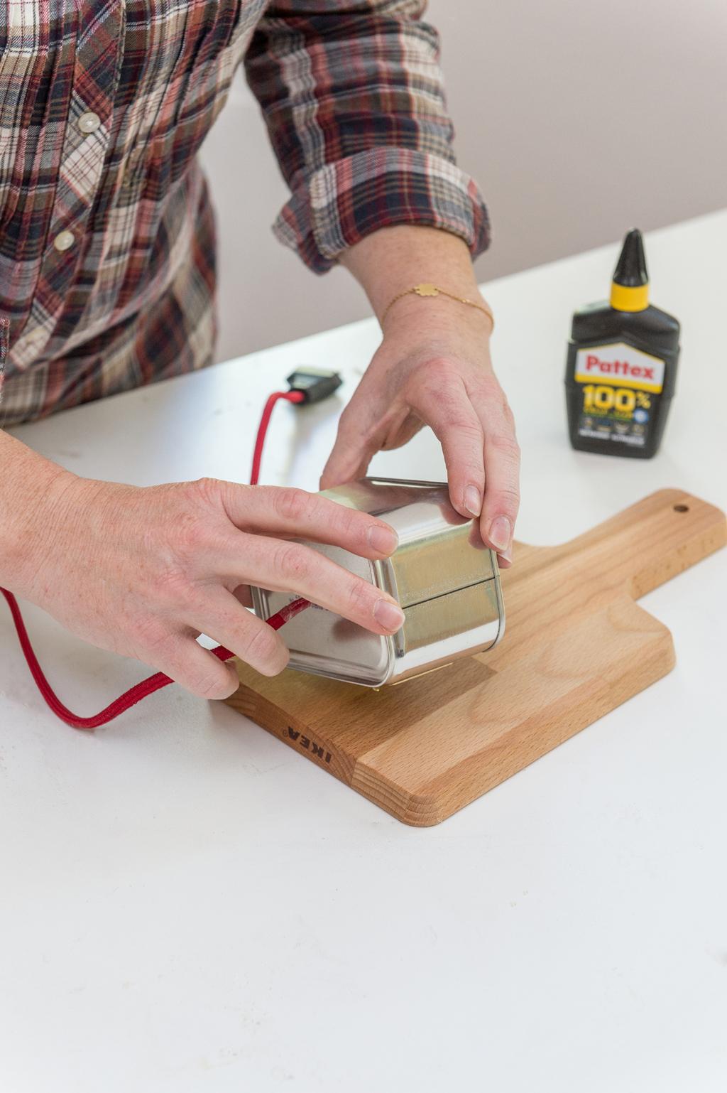 Fabriquer une applique avec une planche à découper