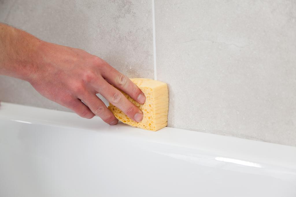 Changer un joint silicone de baignoire