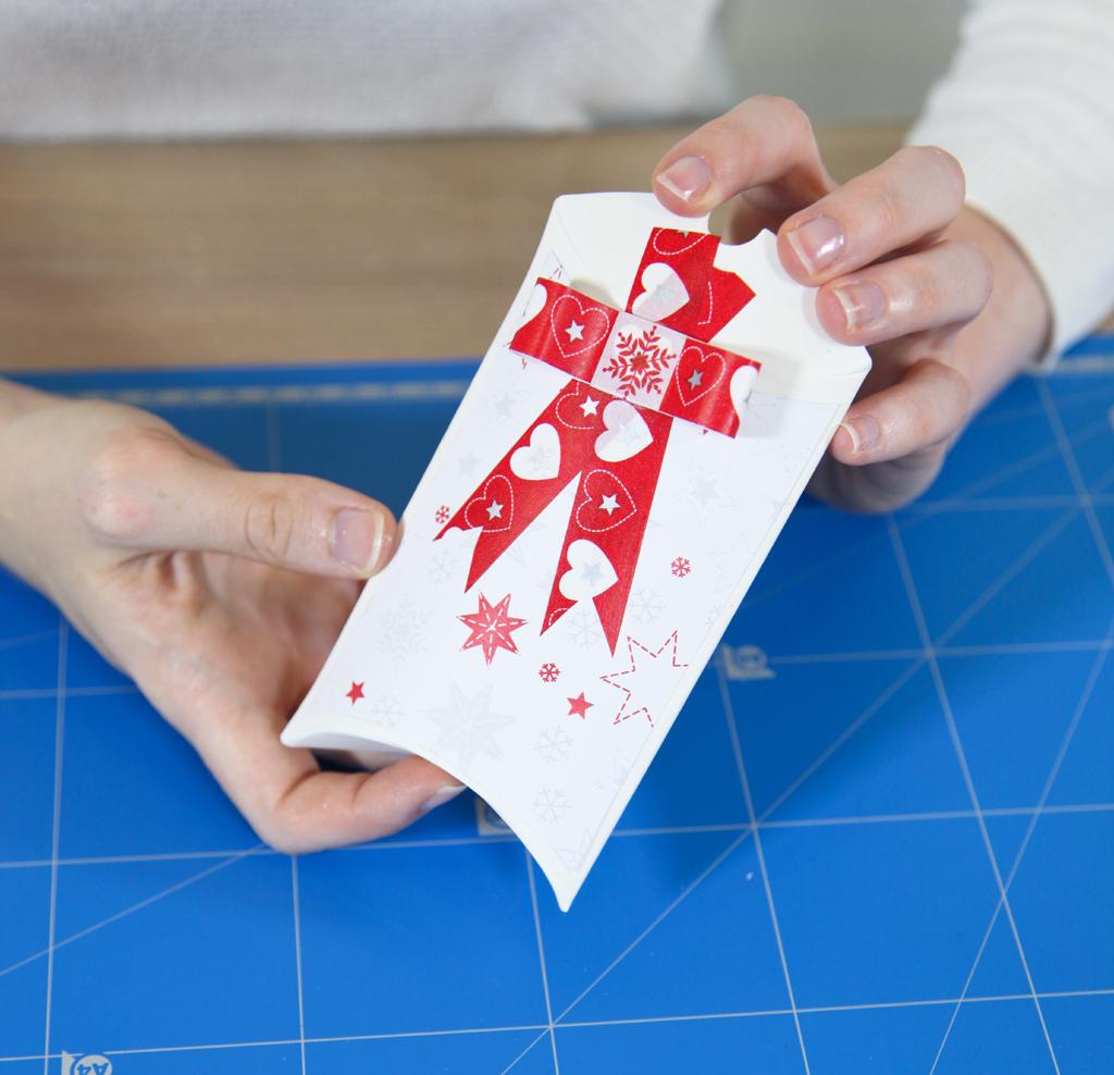 Noël : faire une petite pochette cadeau