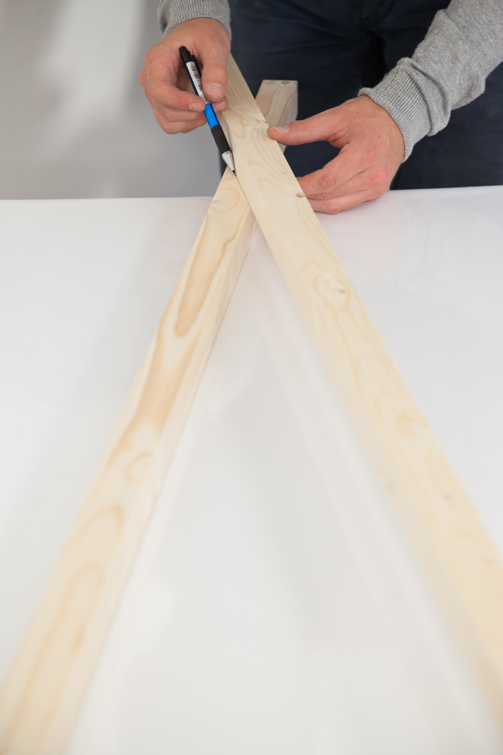 Fabriquer un portant latest faire ses meuble en palette - Fabriquer sa penderie ...