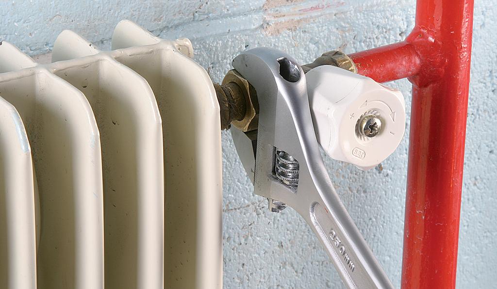 Remplacer un robinet simple de radiateur par un robinet thermostatique