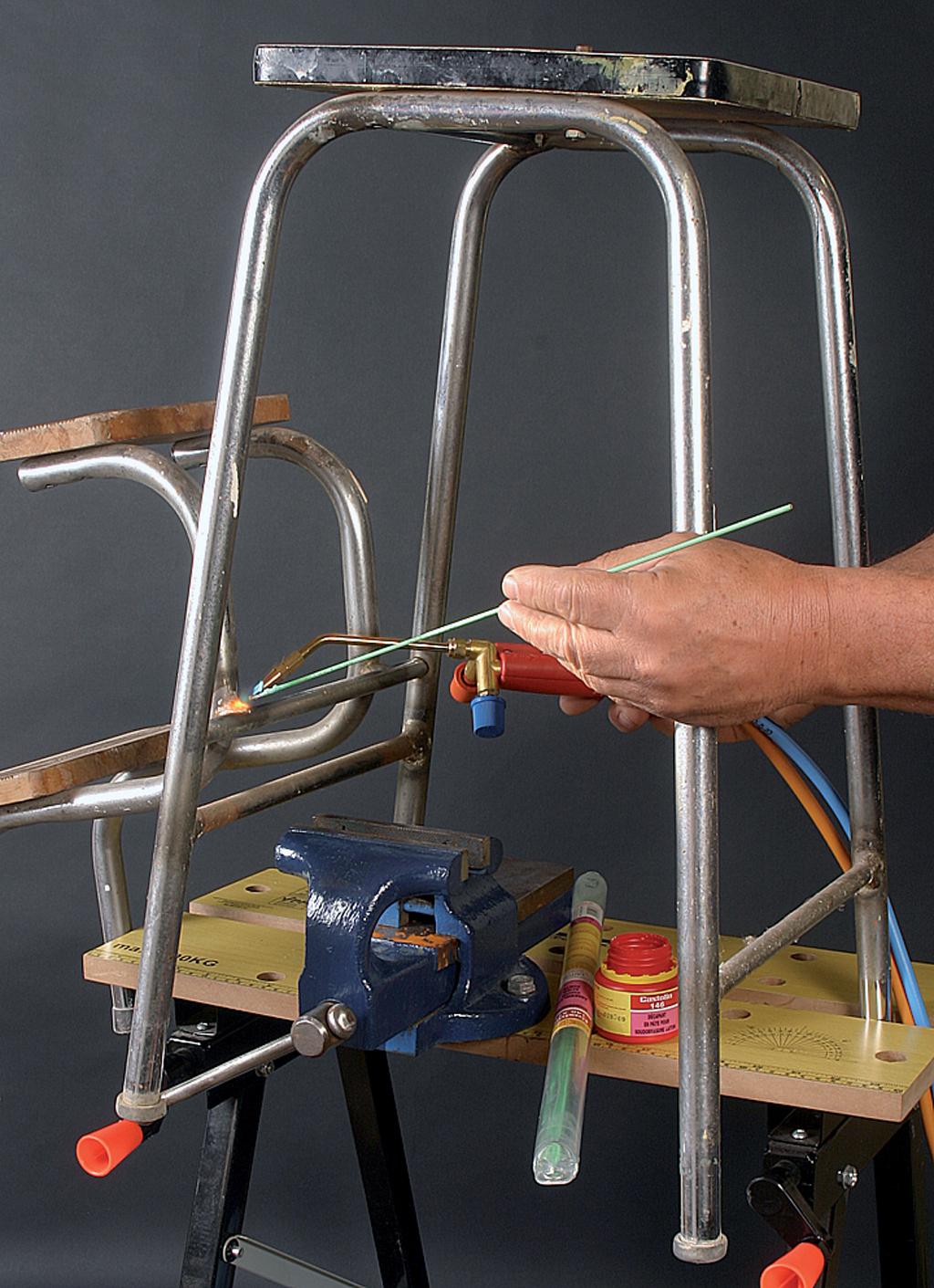 Reparer un tabouret par brasage