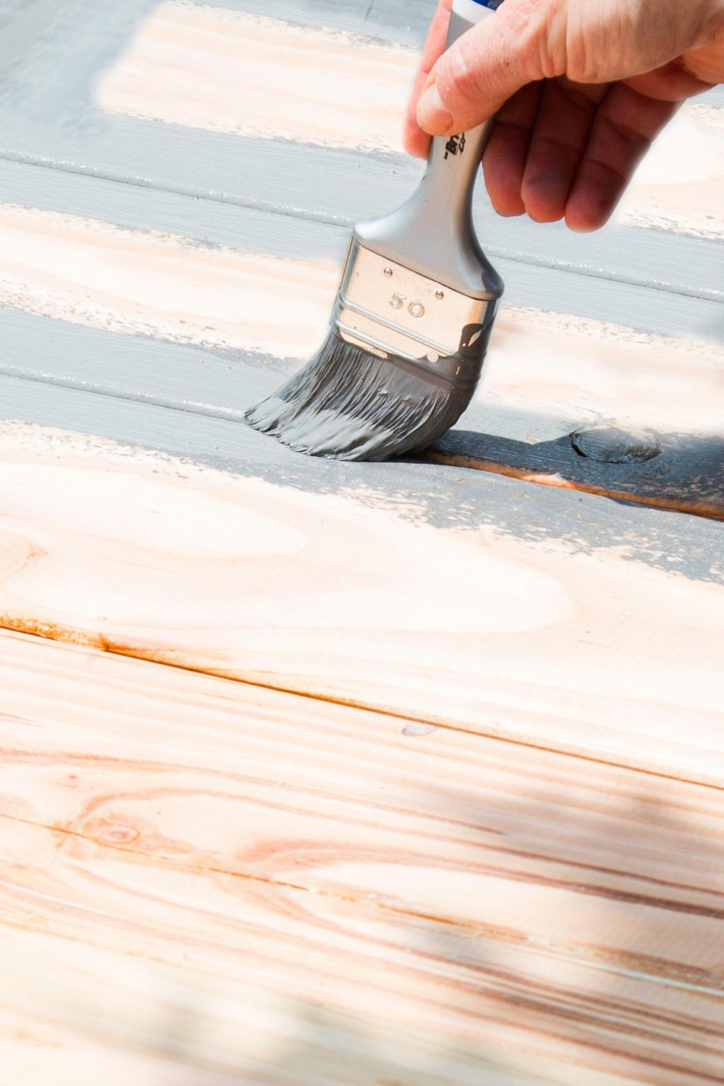 Peindre une terrasse en bois