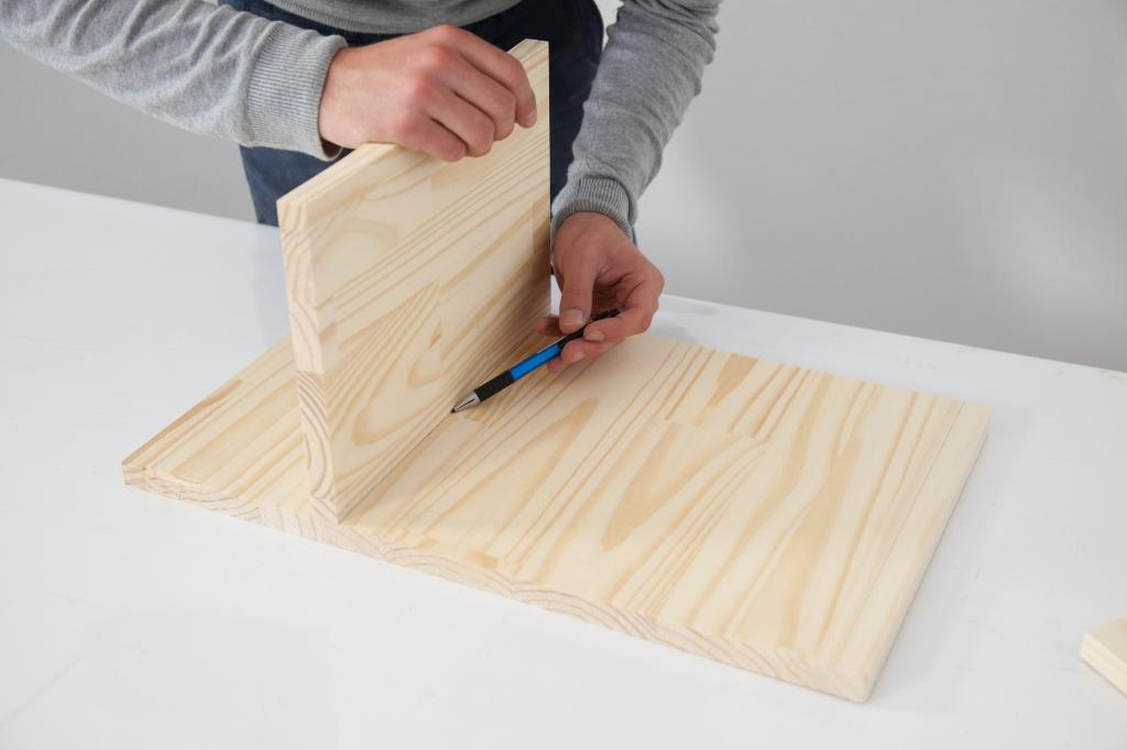 Créer une table de chevet - Étape 3