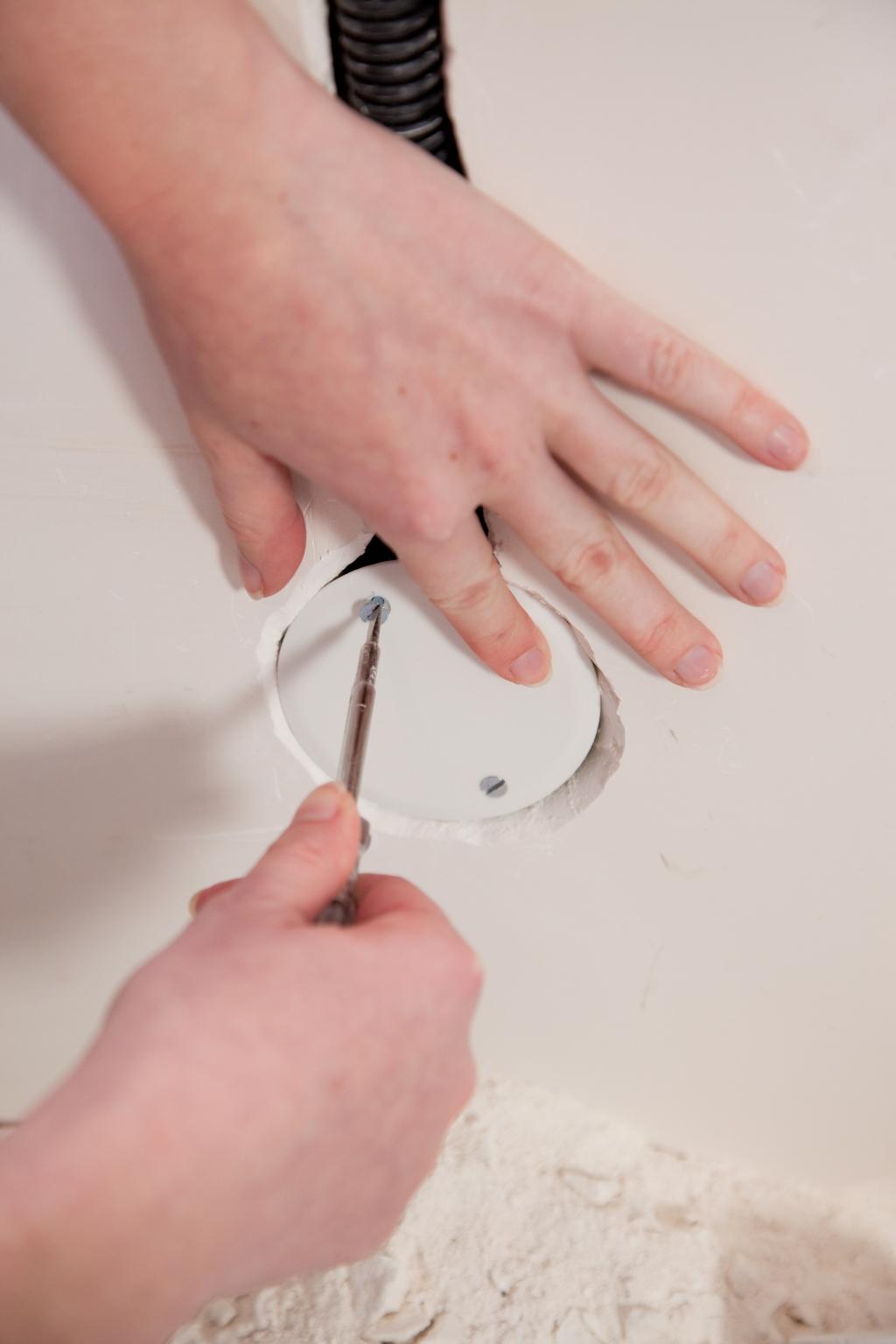 Installer un interrupteur encastré - Étape 19
