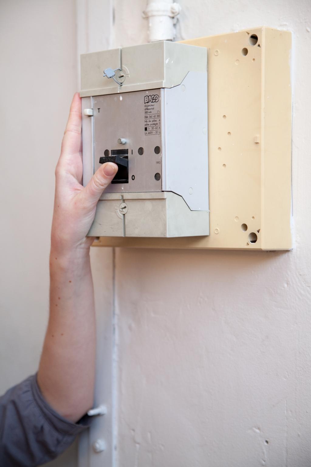 Installer un interrupteur encastré - Étape 21