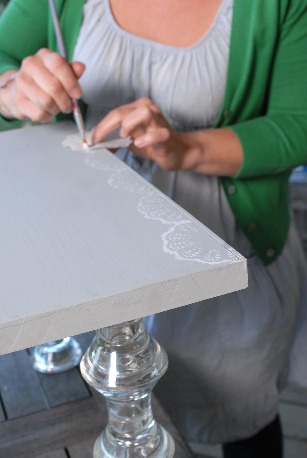 Transformer des photophores en pied de table