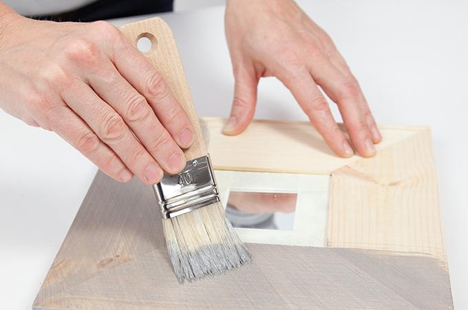 Appliquer une peinture à effet sur un cadre