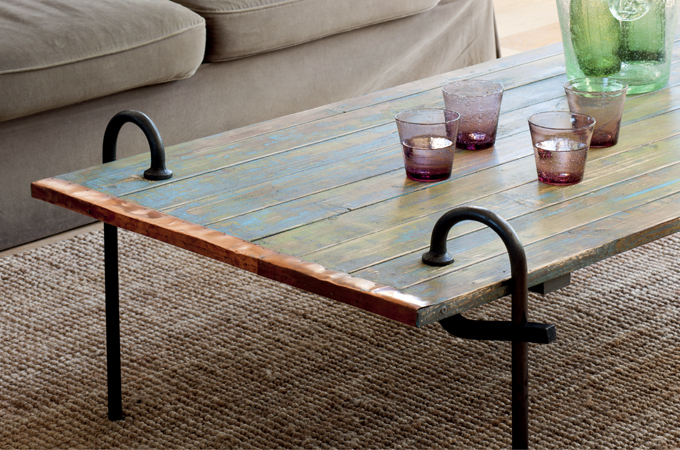 Rénover une table avec un effet vieilli