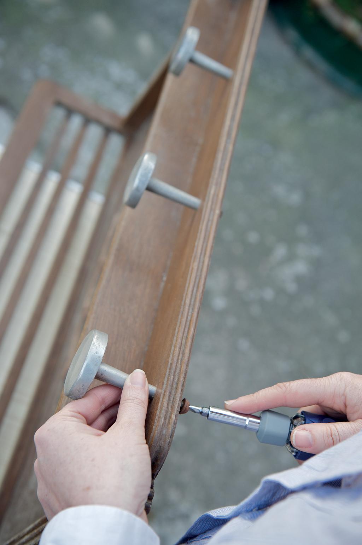 Comment Rénover Une Porte En Bois rénover un porte-manteaux en bois | diy family