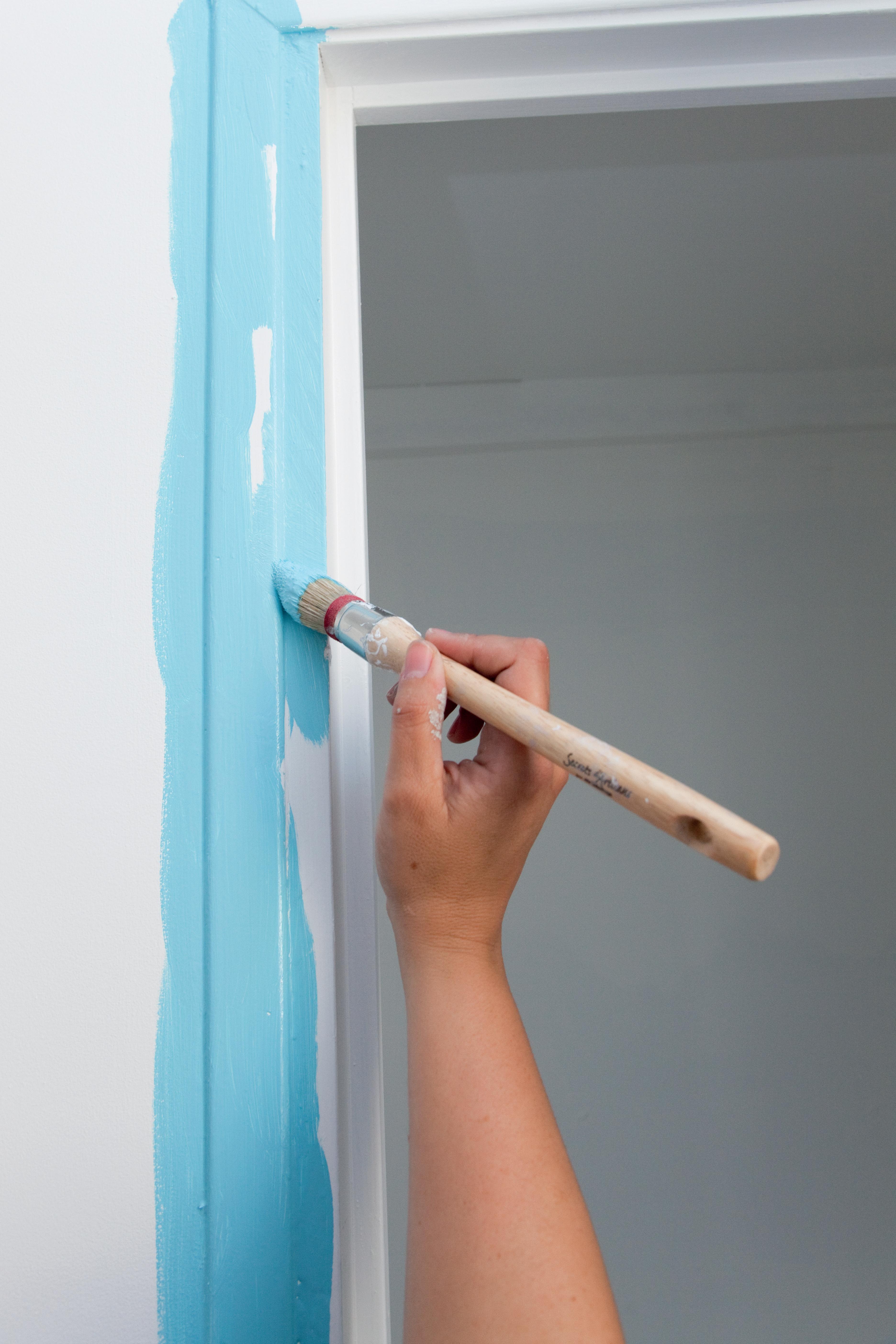 Comment peindre une porte au rouleau ?