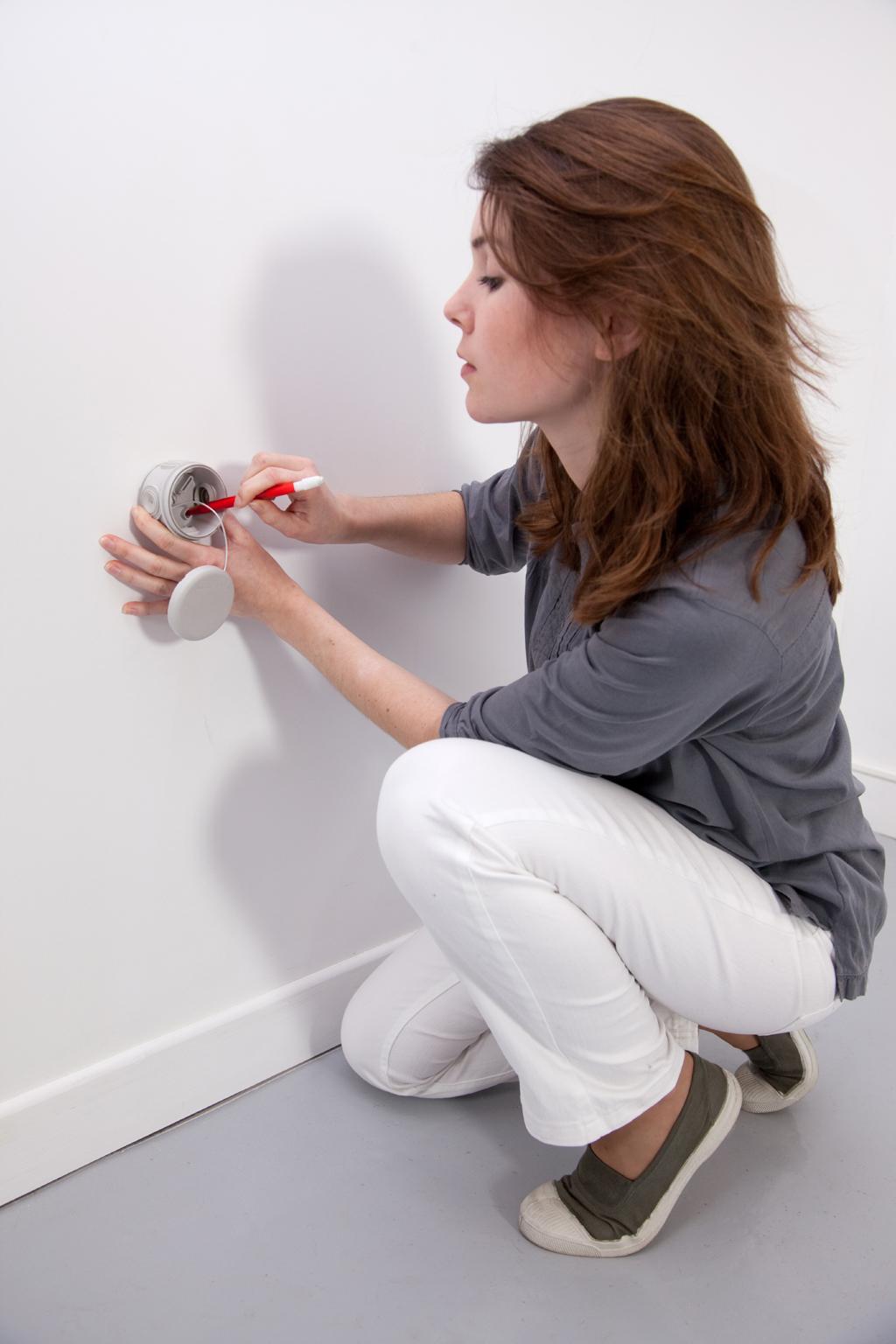 Comment Installer Un Eclairage Exterieur installer un éclairage automatique d'extérieur | diy family