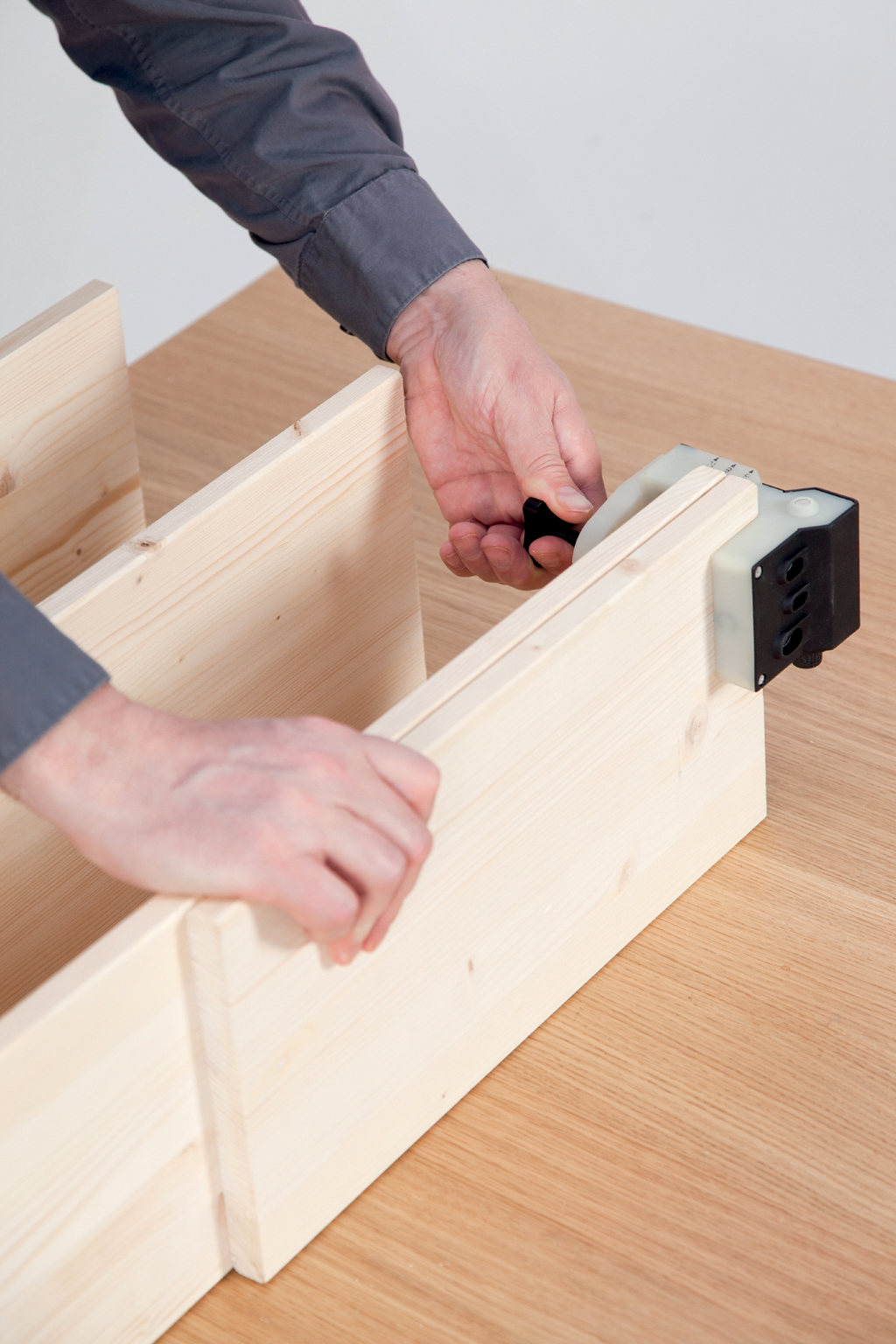 Créer une petite étagère avec tourillons