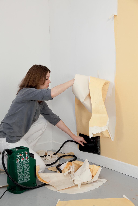 Décoller du papier peint avec une décolleuse électrique | DIY Family