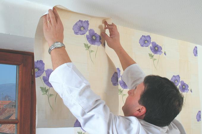 Poser du papier peint à raccord droit