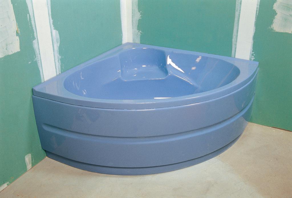 installer une baignoire d 39 angle avec un tablier int gr. Black Bedroom Furniture Sets. Home Design Ideas