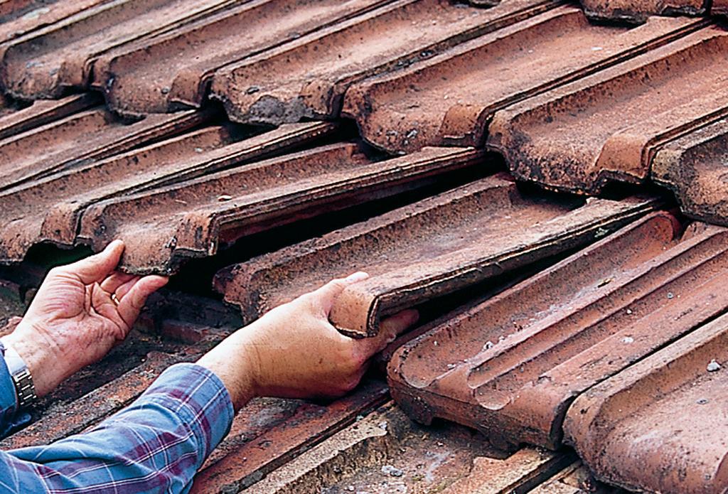 Replacer des tuiles de toiture